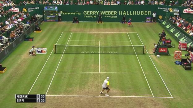 Video «Tennis: Final Halle 2015, Federer als Defensivkünstler» abspielen