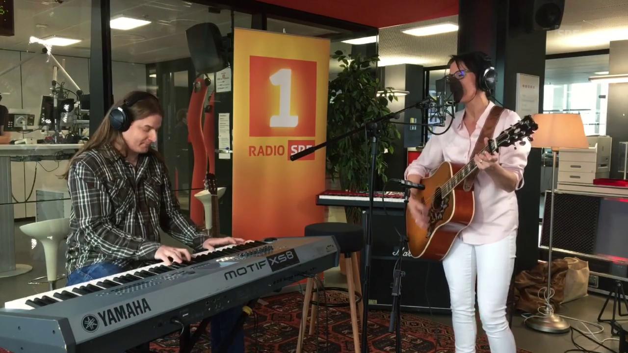 Sandee singt «D' Rosmarie und i»