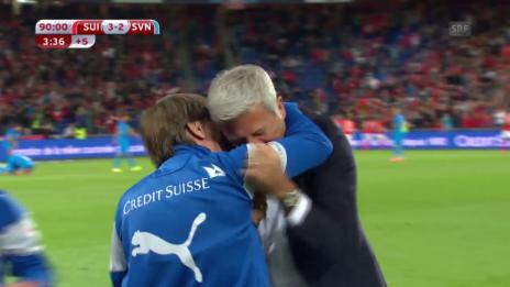 Video «Fussball: EM-Quali, Schweiz - Slowenien, Tor zum 3:2» abspielen