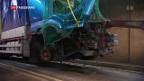 Video «Gotthard nach schwerem Unfall wieder geöffnet» abspielen