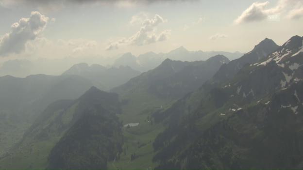 Video ««SRF bi de Lüt – Wunderland»: Heliflug Toggenburg» abspielen