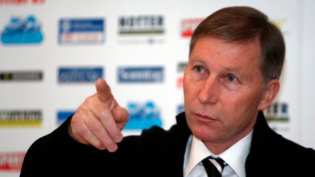 Der Präsident des FC Aarau, Alfred Schmid, nimmt Stellung zum ambitionierten Zeitplan für das neue Stadion (10.72013)