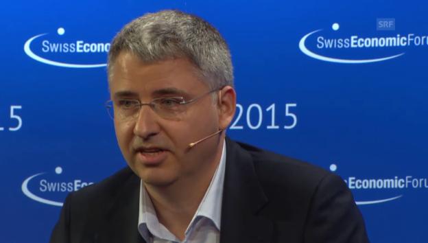 Video «Roche-CEO Severin Schwan auf dem Podest» abspielen