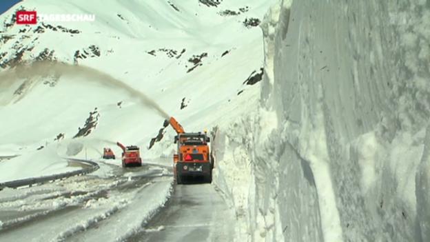 Video «Schnee blockiert Gotthard-Pass» abspielen