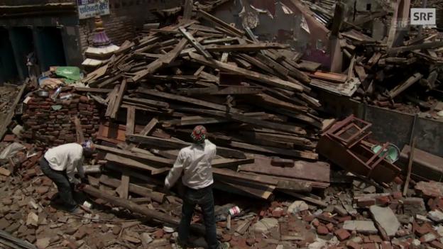 Video «Die Handelsstadt Sankhu nach dem Erdbeben» abspielen