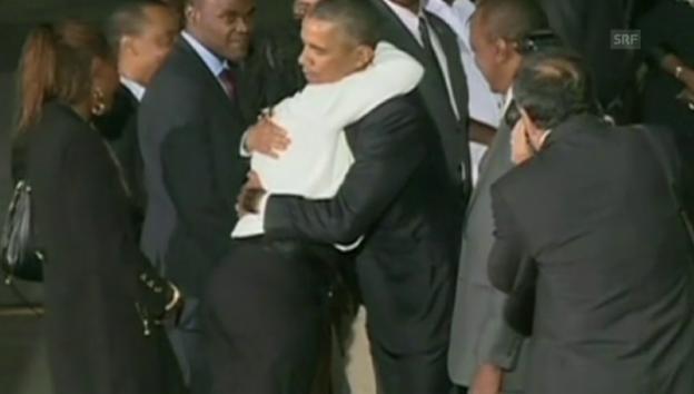 Video «Wiedersehen mit Halbschwester Auma Obama (unkommentiert)» abspielen