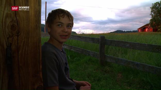 Video «Oberstufen-Schüler führt eigene Kuhalp» abspielen