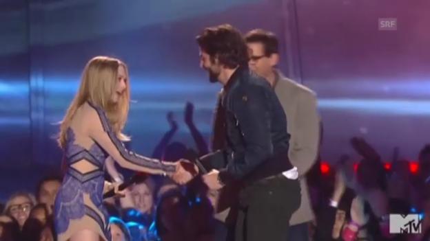 Video «Ausschnitt aus den «MTV Movie Awards» (unkomm. Video)» abspielen
