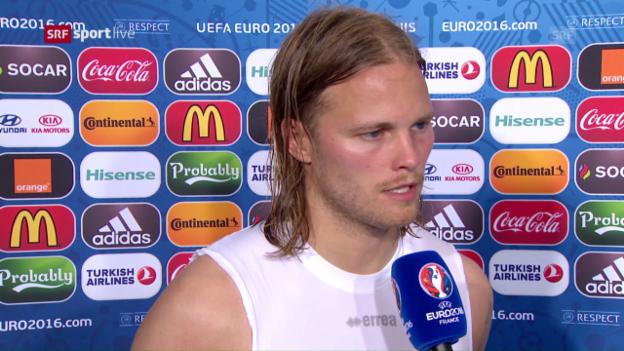 Laschar ir video «Bjarnason (en engl.): «10'000 da nus eran qua questa saira.»»