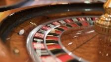 Link öffnet eine Lightbox. Video «Abstimmungs-Arena»: Geldspielgesetz abspielen