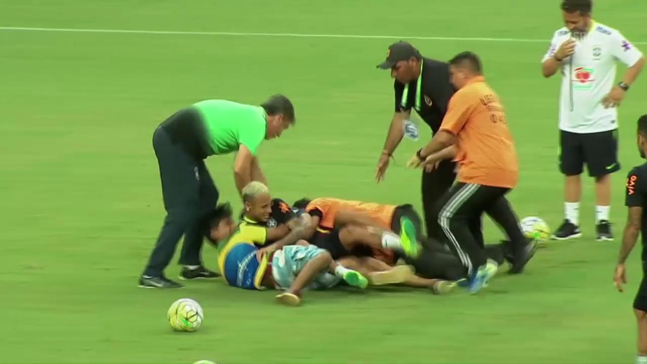 Brasilianische Fans jagen ihre Stars