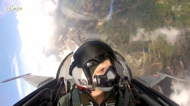 Video ««Lanzi...» bei der Patrouille Suisse» abspielen