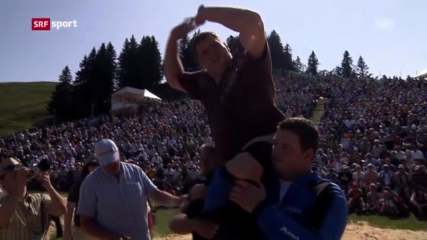 Video «Stucki gewinnt Rigi-Schwinget («sportpanorama»)» abspielen