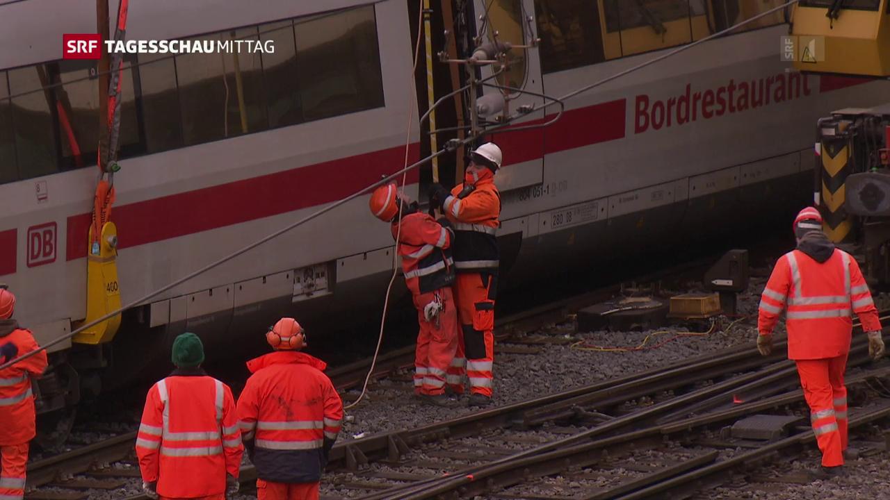 Aufräumarbeiten am Bahnhof Basel
