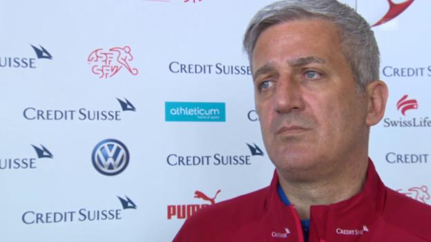 Video «Fussball: Nati-Coach Vladimir Petkovic über den Einsatz von Breel Embolo» abspielen