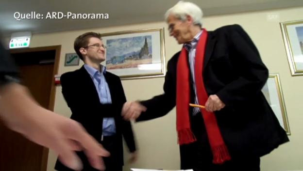 Video «Grünen-Politiker Ströbele bei Snowden (ARD-Magazin Panorama)» abspielen