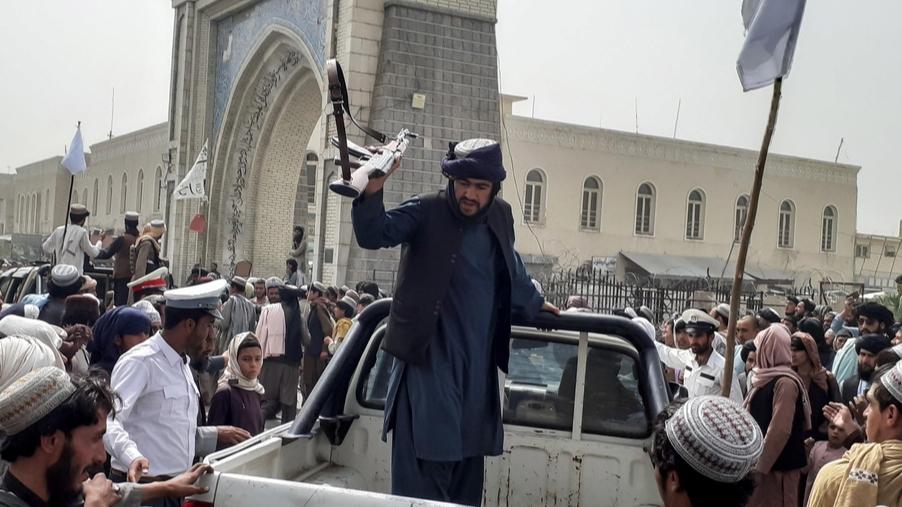 Im Moment gibt es keine Macht, die den Taliban die Stirn bieten kann.