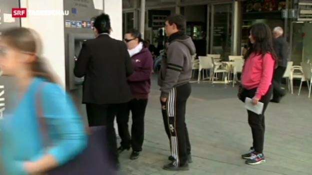 Video «Griechische Bank übernimmt zypriotische Filialen» abspielen
