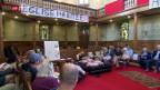 Video «Pfarrer beendet Hungerstreik» abspielen