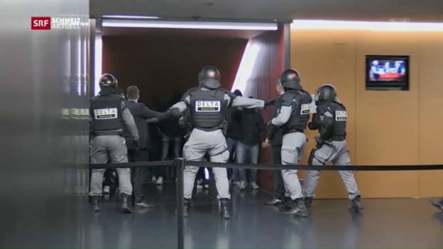 Video «Krawalle nach dem FCZ-Abstieg» abspielen