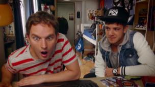 Video ««Oli Mega Vlog» (54): Luca Hänni in the house» abspielen