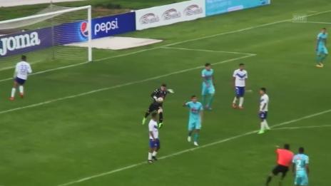 Link öffnet eine Lightbox. Video Goalie-Goal der Extraklasse in Bolivien (Quelle: SNTV) abspielen
