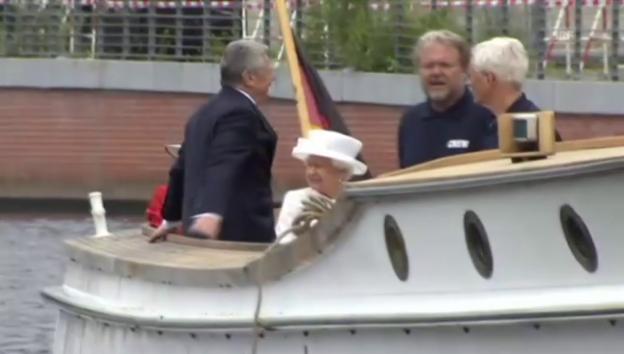 Video «Bootsfahrt auf der Spree (unkommentiert)» abspielen