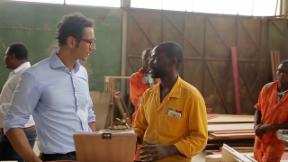 Video «Swiss Connection: Spiel mit Angolas Milliarden» abspielen