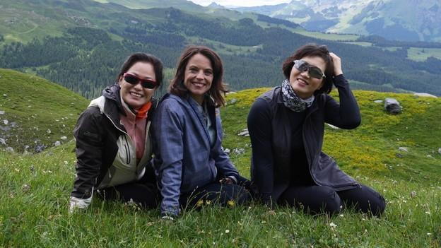 Video ««Mona mittendrin» in der koreanischen Reisegruppe (4/5)» abspielen