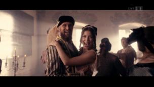 Video «3 Haselnüsse für Nik (feat. Aschenbrödel)» abspielen