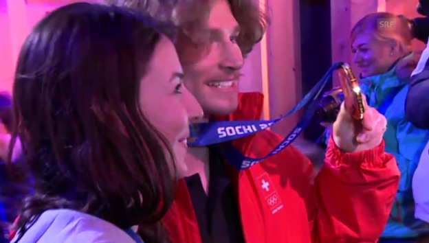 Video «So feiern die Schweizer im «House of Switzerland»» abspielen