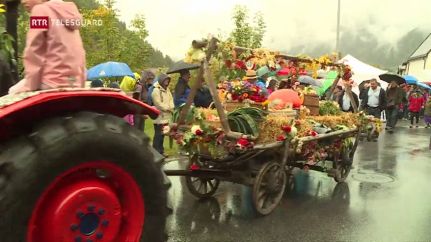 Laschar ir video «Festa da graun en Val Müstair»