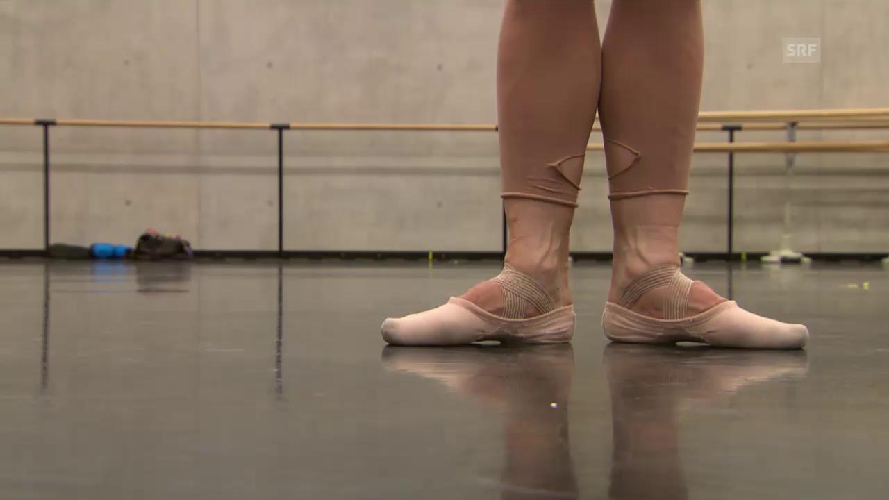 Ist die «dressierte» Fussstellung im Ballett unnatürlich?