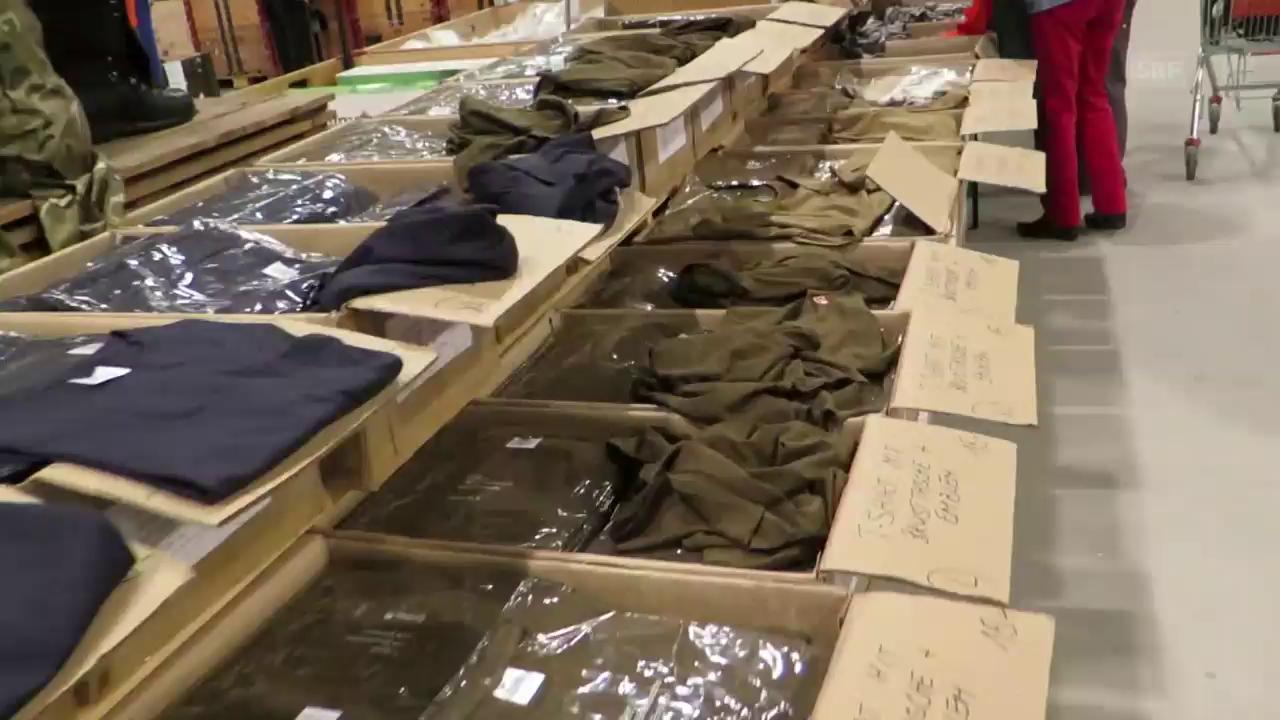 Liquidation von Armee-Material in Lyss (4.5.2017)