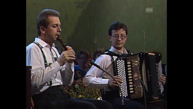 Video «Archiv: Ländlerkapelle Knobel-Reichmuth 1994» abspielen