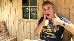 Video «Camping – doch nicht so schlimm, Reto Scherrer?» abspielen