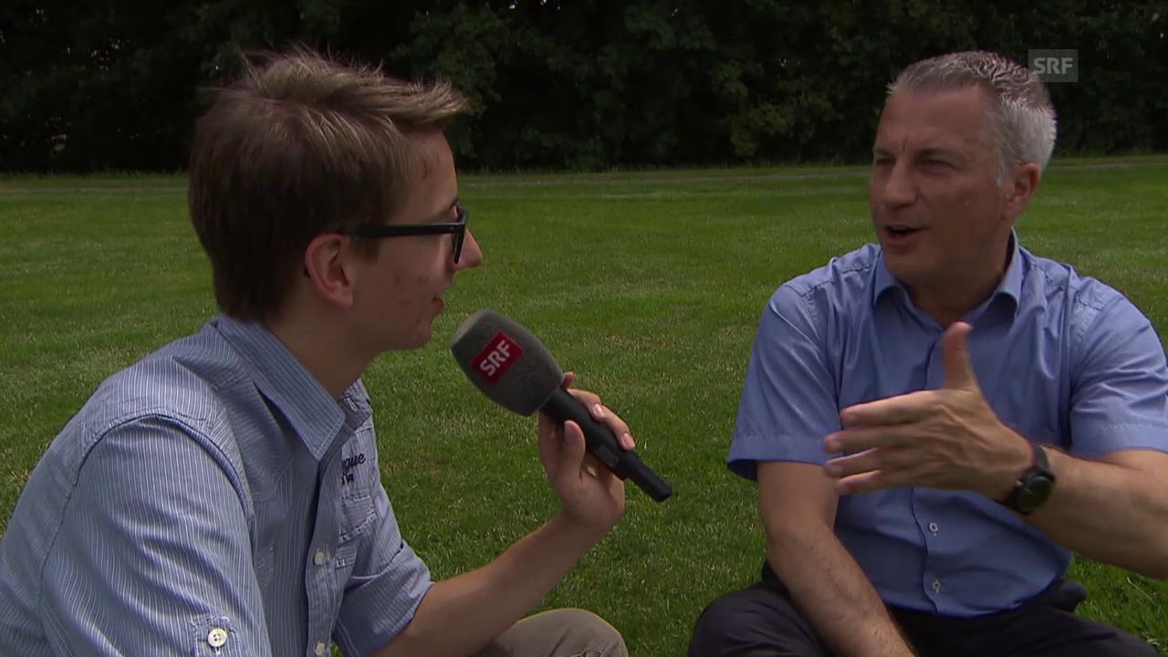 Feedback-Interview mit Reto Lipp zu den Jung-Reportern am SEF