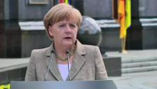 Video «Merkel verspricht Hilfe in Millionenhöhe» abspielen