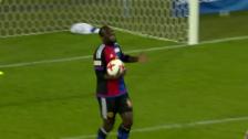 Link öffnet eine Lightbox. Video Doumbias Tor zum 2:2 – ein strittiger Entscheid abspielen