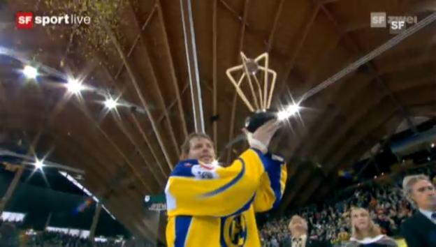 Video «Spengler Cup: Pokalübergabe» abspielen