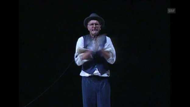 Video «Harald Schmidt in «Warten auf Godot», Tagesschau 5.1.2002» abspielen