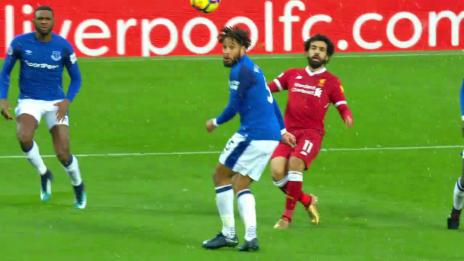 Link öffnet eine Lightbox. Video Salahs Tor gegen Everton ist das schönste des Jahres abspielen