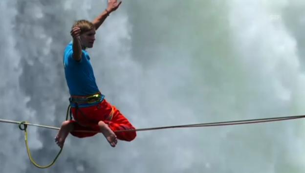 Video «Spektakulärer Stunt über den Victoria Falls» abspielen