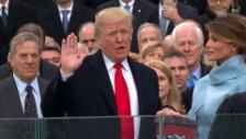 Video «Donald Trump legt den Amtseid ab» abspielen