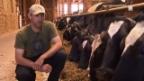 Video «Landwirt Bärtschi über den Nutzen der Technik im Kuhstall.» abspielen