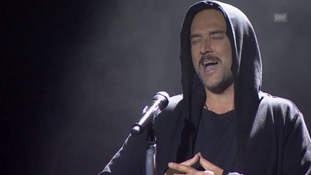 Video «Musikalischer Auftritt von Carlos Leal» abspielen