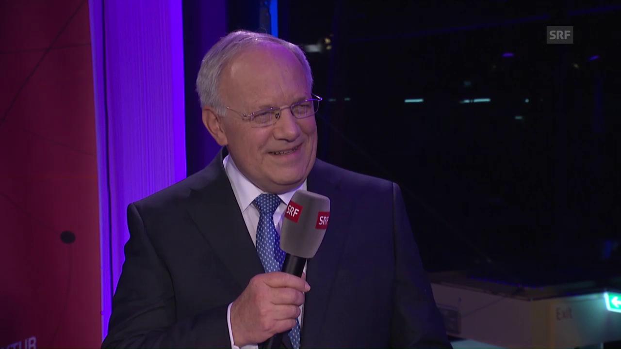 Bundesrat Johann Schneider-Ammann, noch im Bett am Handy