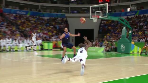 Video «Basketball: Irving und Durant erspielen einen Traum-Korb» abspielen