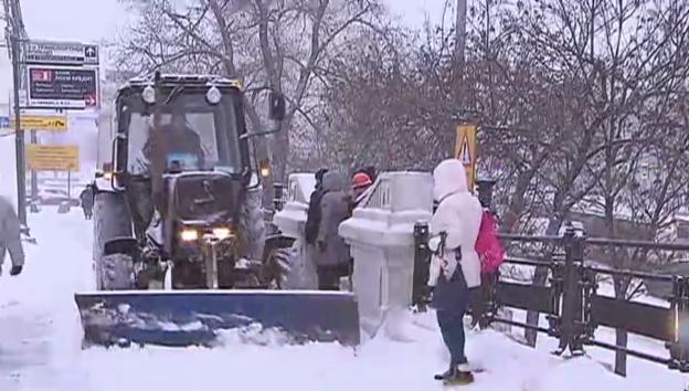 Video «Impressionen aus dem verschneiten Moskau» abspielen