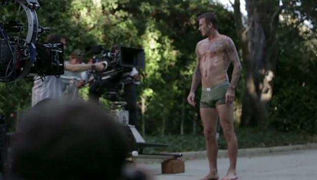 Video «David Beckham beim Werbevideo-Dreh für eine schwedische Kleidermarke» abspielen